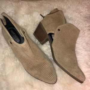 ADAM TUCKER BY ME TOO PREOWNED BOOTIES SIZE 9/1 2